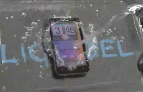 Waterproof Samsung Galaxy S III and iPhone 5 [Video Included]