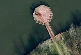 Google Maps 'Murder Scene' In Almere, Netherlands Is Water Trail From Golden Retriever