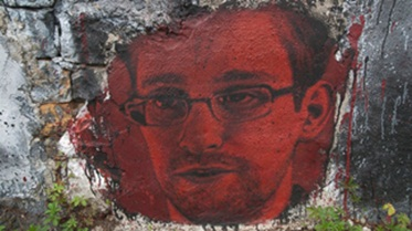 """Snowden calls Russian-Spy allegation """"Absurd"""", demands protection after US threats"""