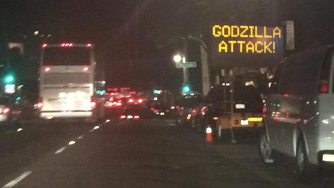 san-francisco-traffic-sign-board-hacked-to-warn-drivers-of-godzilla-attack