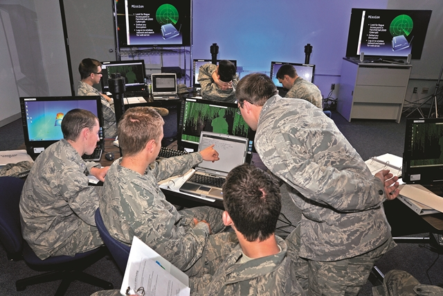 US Military to Hire 3,000 New Cybersecurity Professionals by 2016
