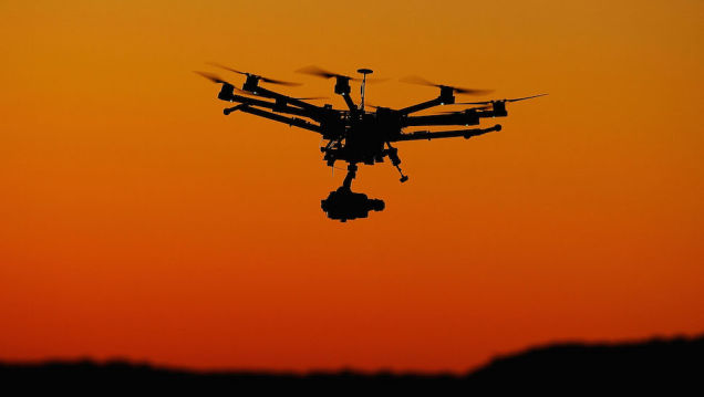 indian-police-pepper-spray-drones