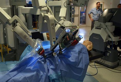 Researchers show how medical robots can be hacked during surgery