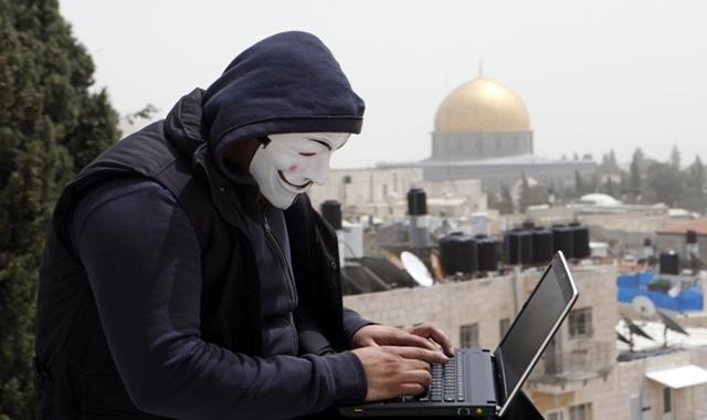 OpIsrael: Hackers leak 820 Israeli login data, deface 100+ websites