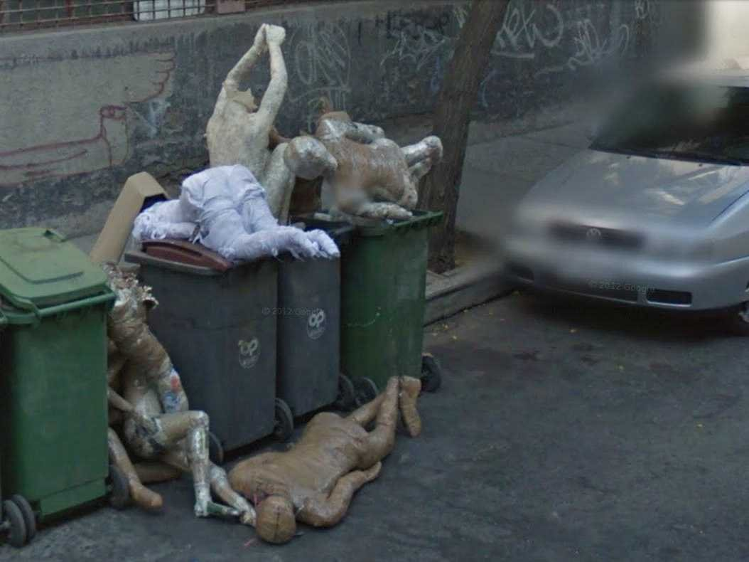 Sh sh show me my house on google earth - 80 Funniest Creepiest Strangest Disturbing Google Street View