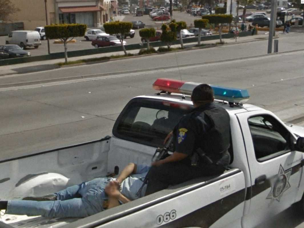 80-funniest-creepiest-strangest-disturbing-google-street-view-images (36)