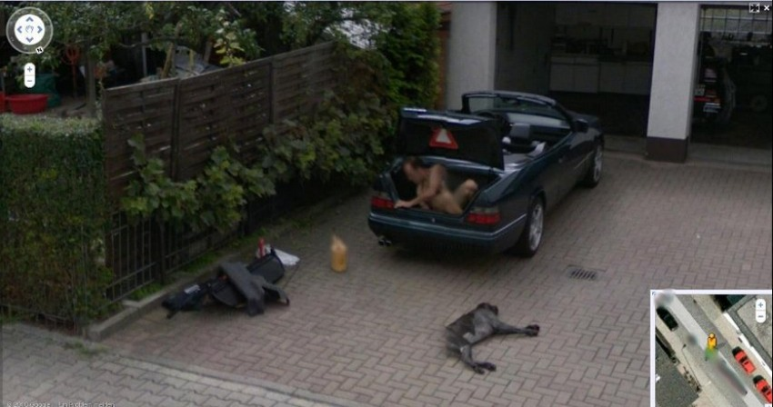 Funny Creepy Strange Disturbing Google Street View Images - 29 weird and unexpected things you can find on google street view