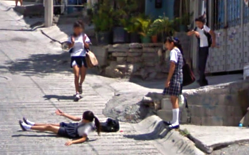 80-funniest-creepiest-strangest-disturbing-google-street-view-images (43)