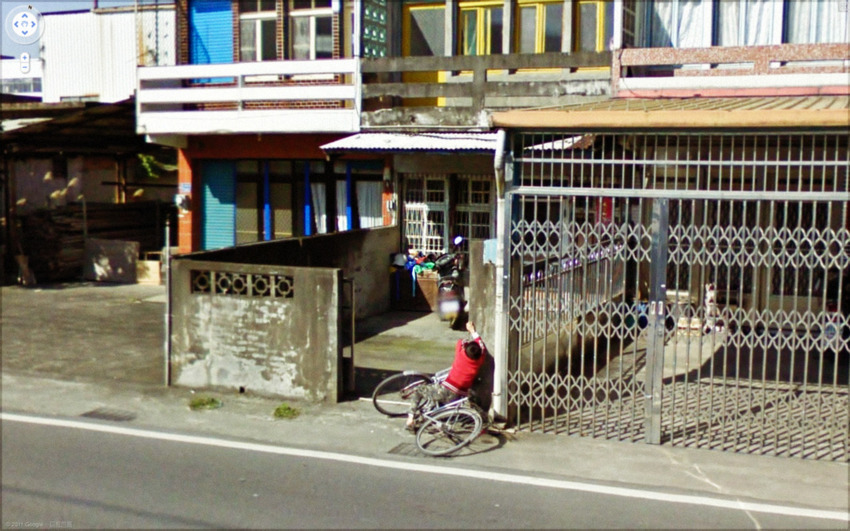 80-funniest-creepiest-strangest-disturbing-google-street-view-images (49)