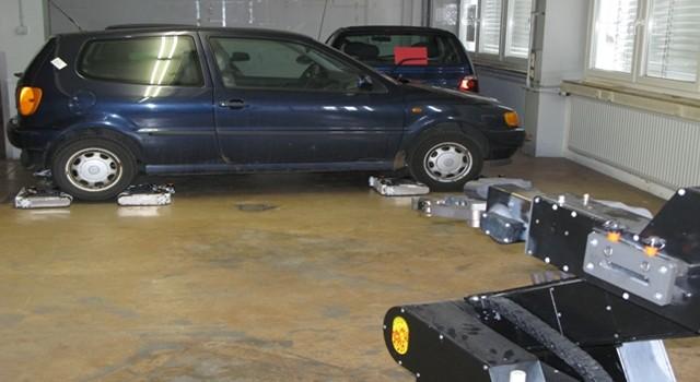 robots-autonomously-car-parking