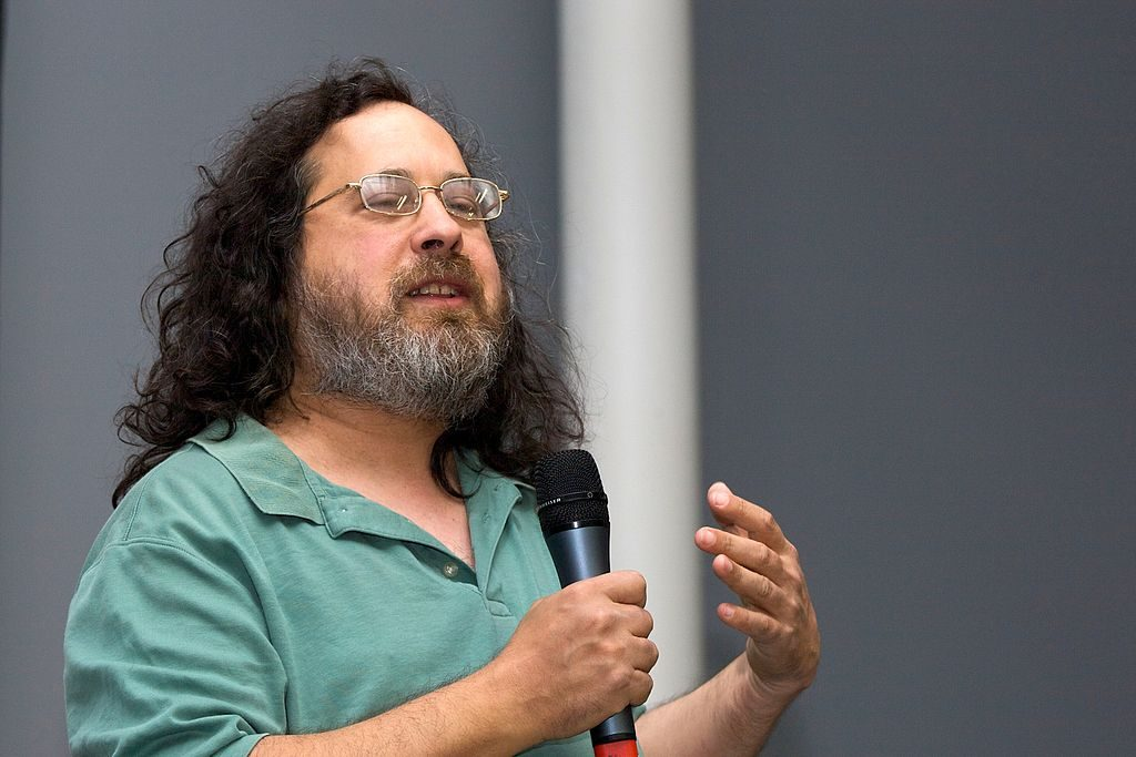"Richard Stallman giving a speech on ""Free Software and your freedom"" at the biennale du design of Saint-Étienne (2008)"