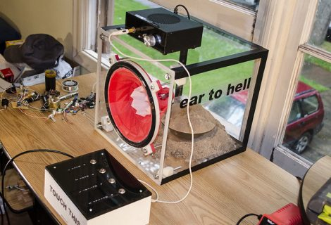 Here's a 3D Printed Remaking of 'Ear of Hell' Classic Audio Speakers