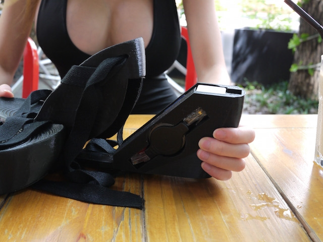 female-SexyCyborg-hacker-plans-to-attack-organizations-using-her-hi-tech-shoes-5