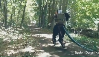 googles-humanoid-robot-goes-for-hiking-2