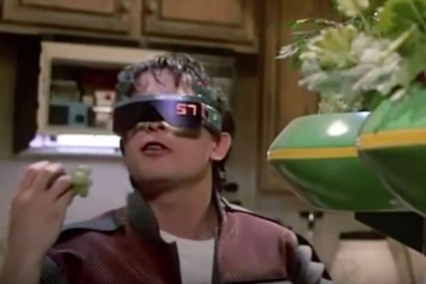 back-to-the-future-ii-technologies-that-became-reality-in-2015