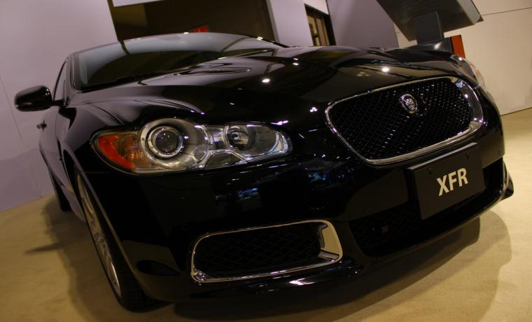 Hacker Steals, Drives Away Jaguar XFR Exploiting Flaw in Wireless System
