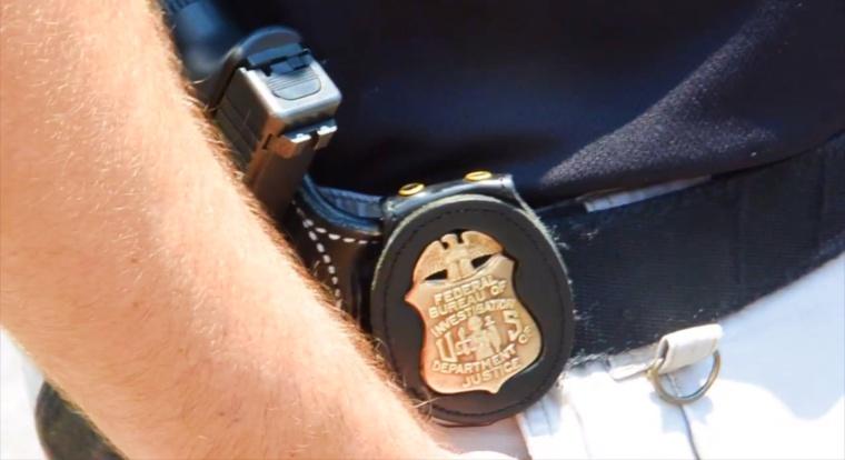Smart eBay Scammer Tricks, Steals Identity of His Investigating Officer