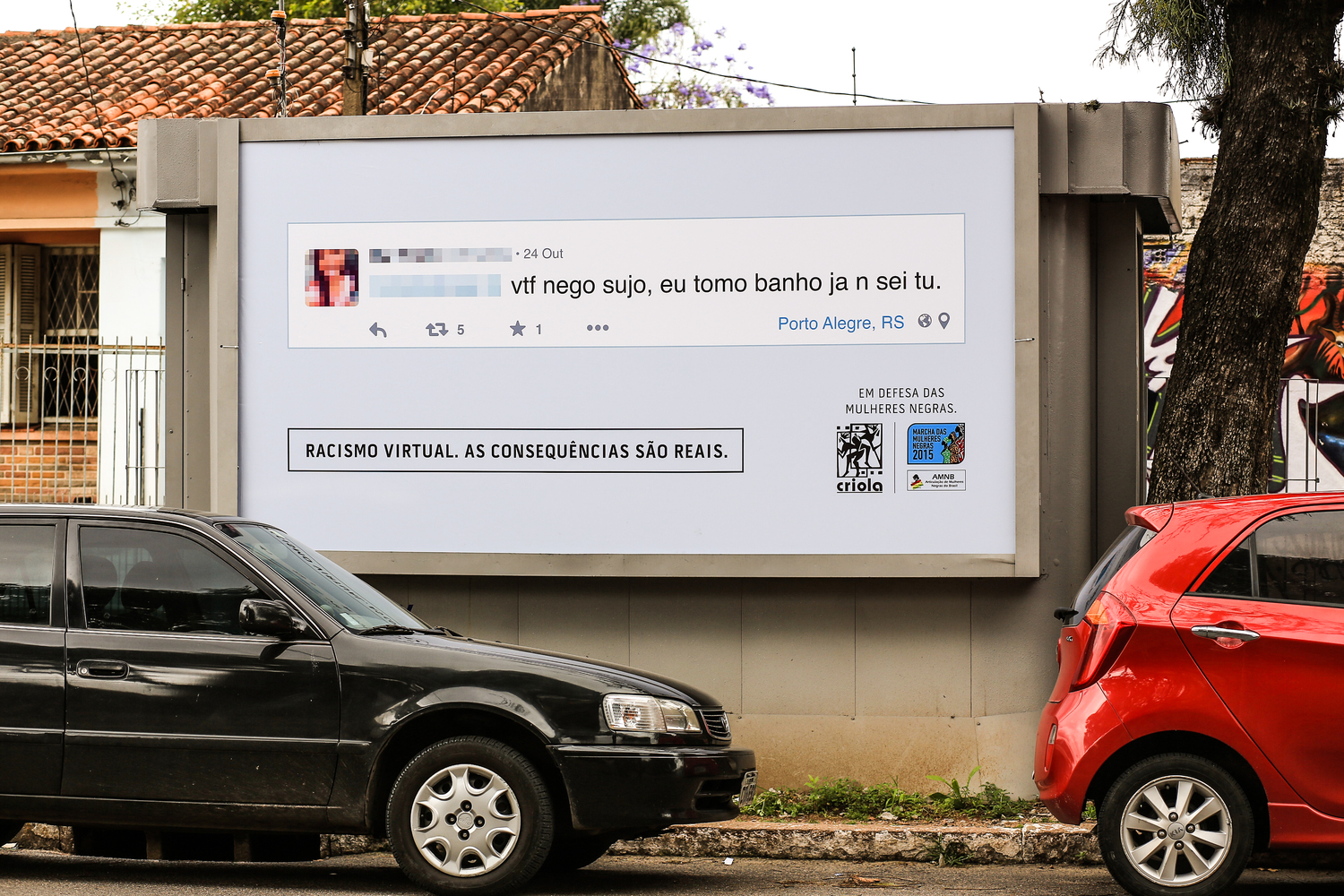 group-fights-online-racism-using-billboards-2