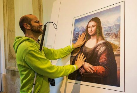 """Project Uses 3D Printing For Visually Impaired """"See"""" Artwork For The First Time"""
