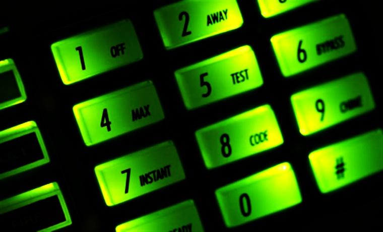 Hacker Shows How To Hack Wireless Burglar Alarm System Like A Pro
