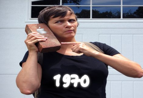 """Turning back Time on your iPhone can """"Brick"""" the Device- Don't Fall for the 1970 Scam"""