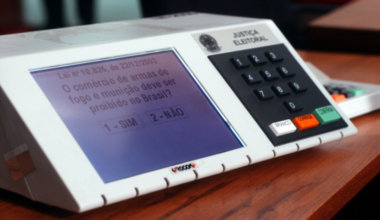 Hackers can change election result using flaws in Electronic Voting Machines
