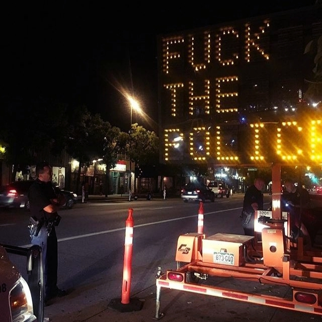 someone-hacked-traffic-sign-with-anti-police-message-in-denver