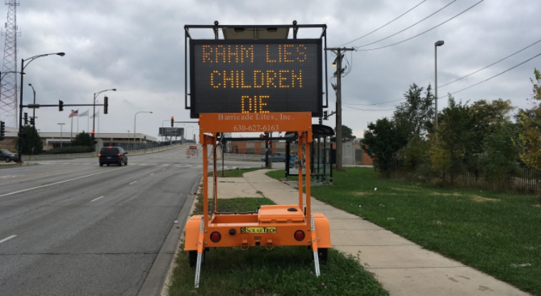 construction-sign-hacked-with-custom-message-for-chicago-mayor-rahm-lies-children-die