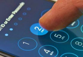 "Attackers can guess our passcode ""just from the way we tilt our phone"""