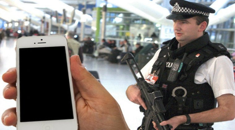 UK airport authorities arrest human rights activist for not sharing his passwords