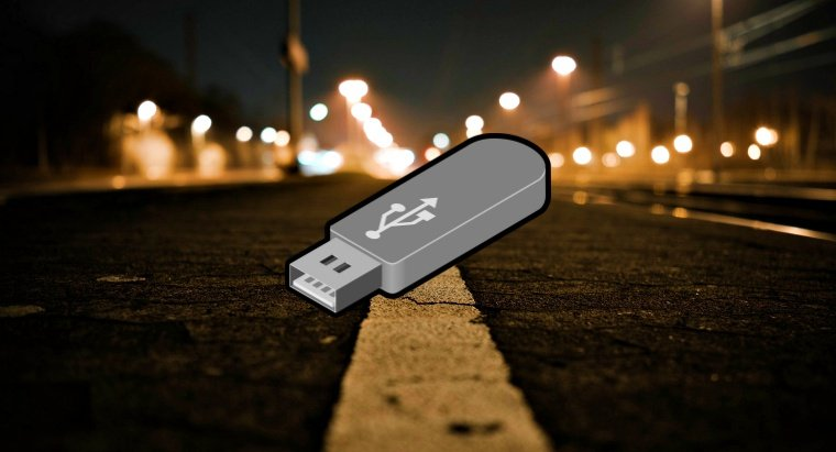 USB Stick with Heathrow Security and Queen' Data Found on London Street